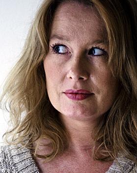 Några dagar före jul berättade Åsa Linderborg i en uppmärksammad text i Aftonbladet om det massiva hat som vällt in mot henne efter Aftonbladets granskning ... - linderborg-asa